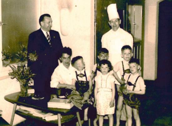 Henri und Veronika Bouley-Dressel mit Kindern Hans-Heiner, Albert, Reinhard, Veronika und Andreeas, um 1965